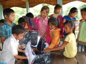Barna er takknemlig for gaver som blir gitt