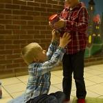 Tårje og Sigurd trives i Søndagsskolen